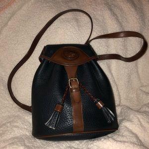 Vintage Dooney Bourke All Weather Leather Bag 🎒